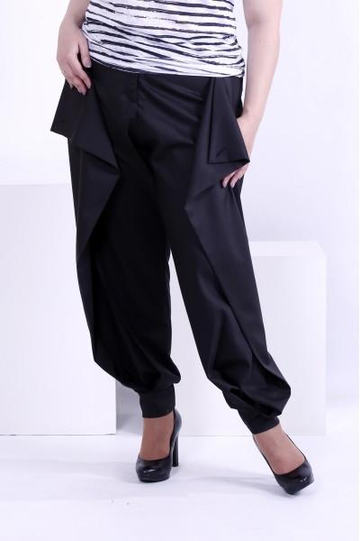Фото Черные брюки по щиколотку | b039-3