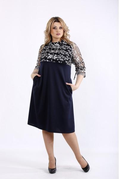 Фото Синее трикотажное платье с вышивкой на сетке | 01071-1
