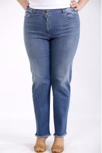 Фото Синие джинсы немного расширенные | j-052