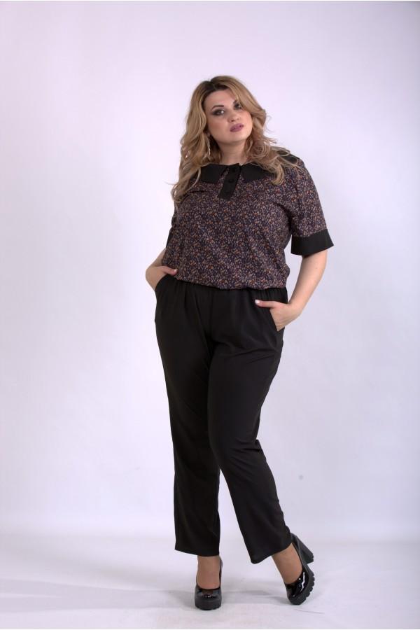 Фото Комплект: черные брюки и блузка с бежевым принтом | 01159-2