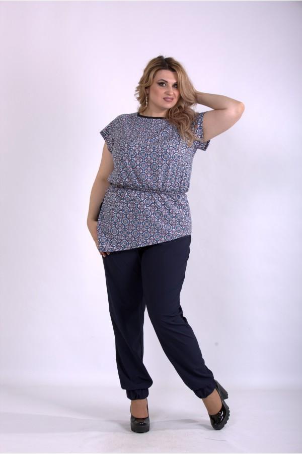 Фото Удобный костюм: однотонные штаны и блузка с узором | 01160-3