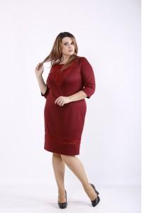 Фото Бордовое простое и нарядное платье с гипюром | 01265-2