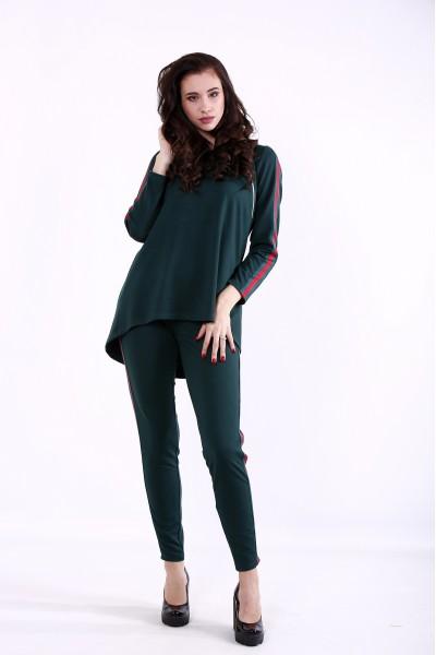 Фото Зеленый костюм с красной полоской   01379-1